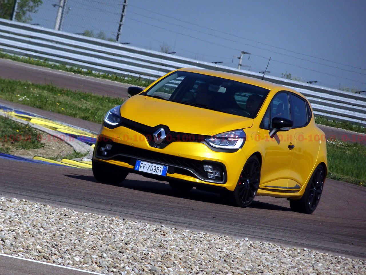 renault-sport_clio-rs-trophy-0-100_2