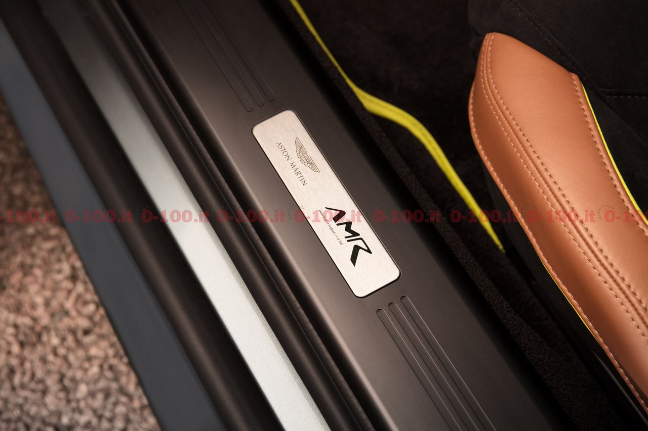 aston-martin-v8-v12-amr-prezzo-price-accessories-0-100-4