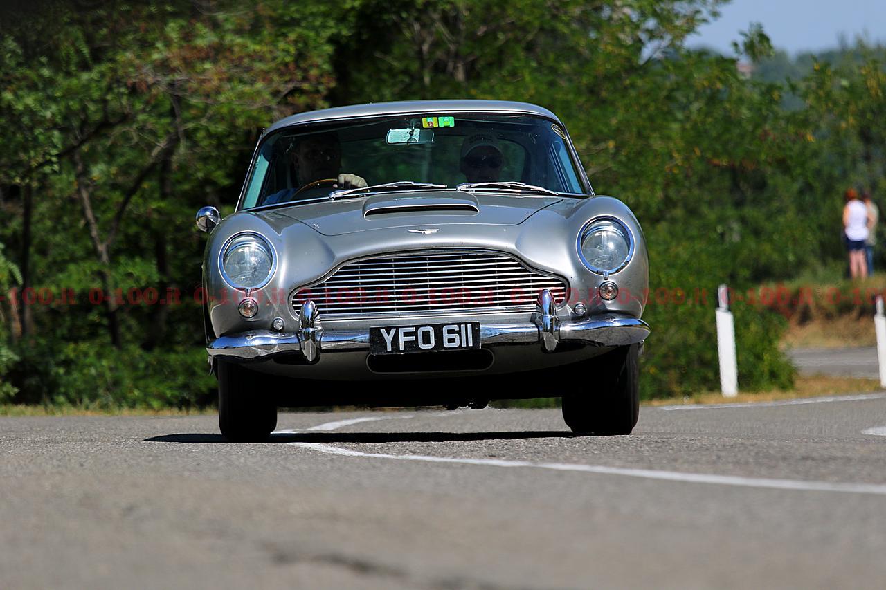 vernasca_silver-flag-2017_0-100_38_Aston-Martin-DB6-1