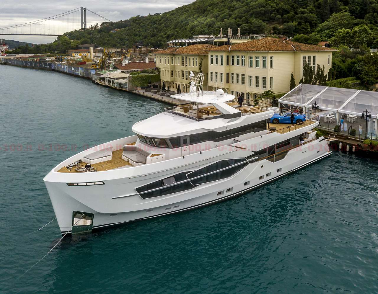 Numarine first explorer superyacht 32XP_0-1002