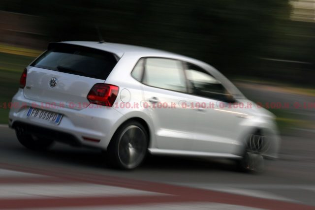 test drive volkswagen polo gti 1 8 tsi dsg 5 porte 0. Black Bedroom Furniture Sets. Home Design Ideas