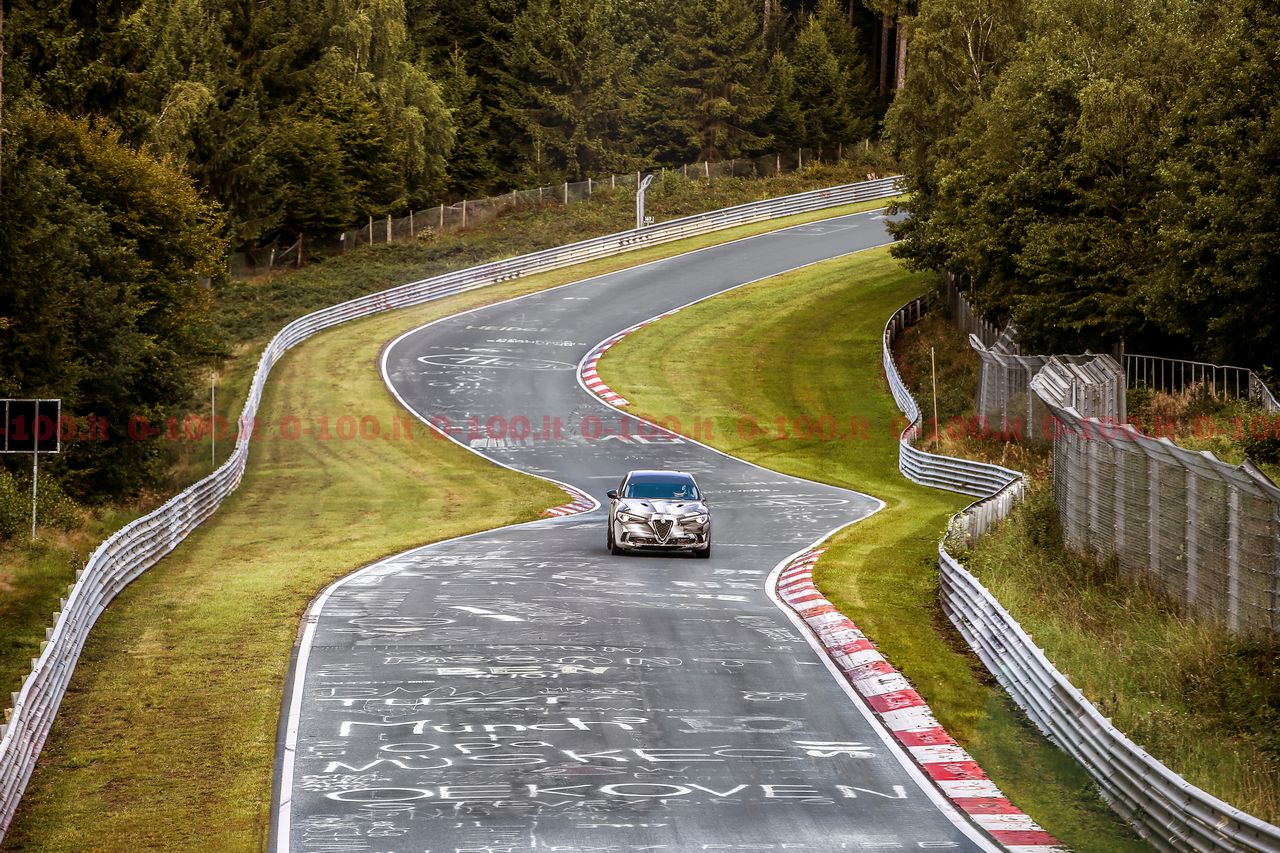 ALFA-ROMEO-STELVIO-nurburgring-suv-record-lap-time_0-100_13