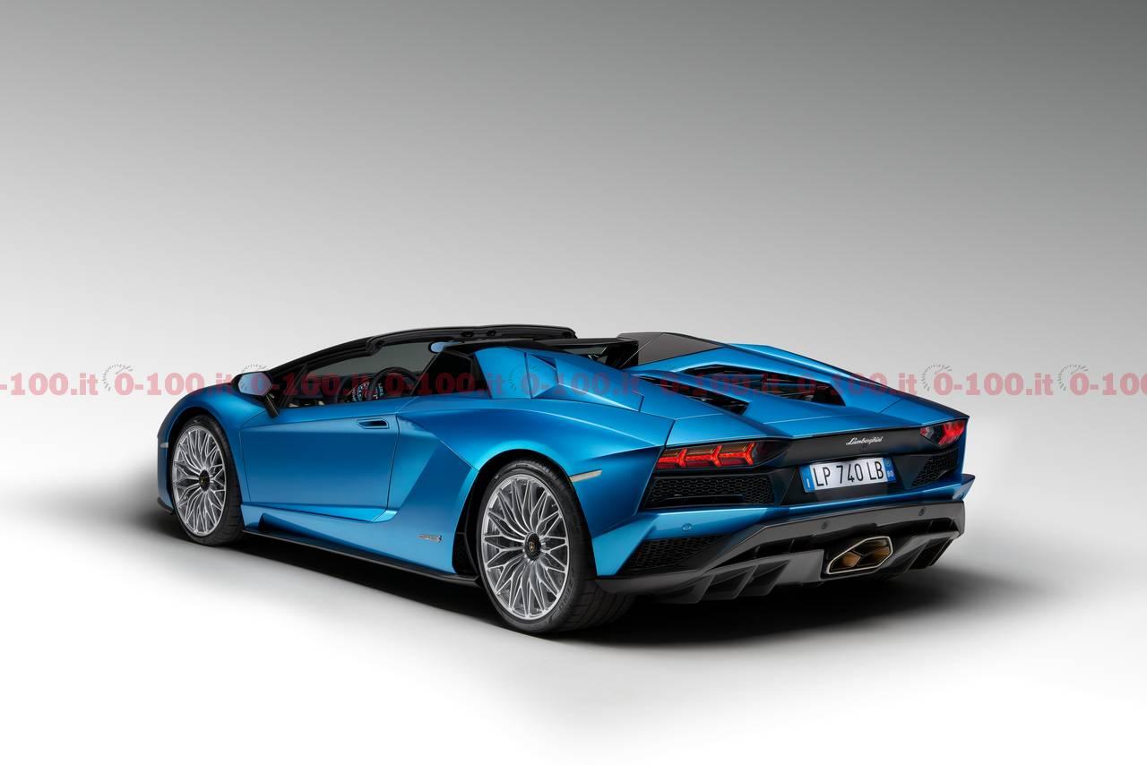 Lamborghini_Aventador_S_Roadster_0-100_4