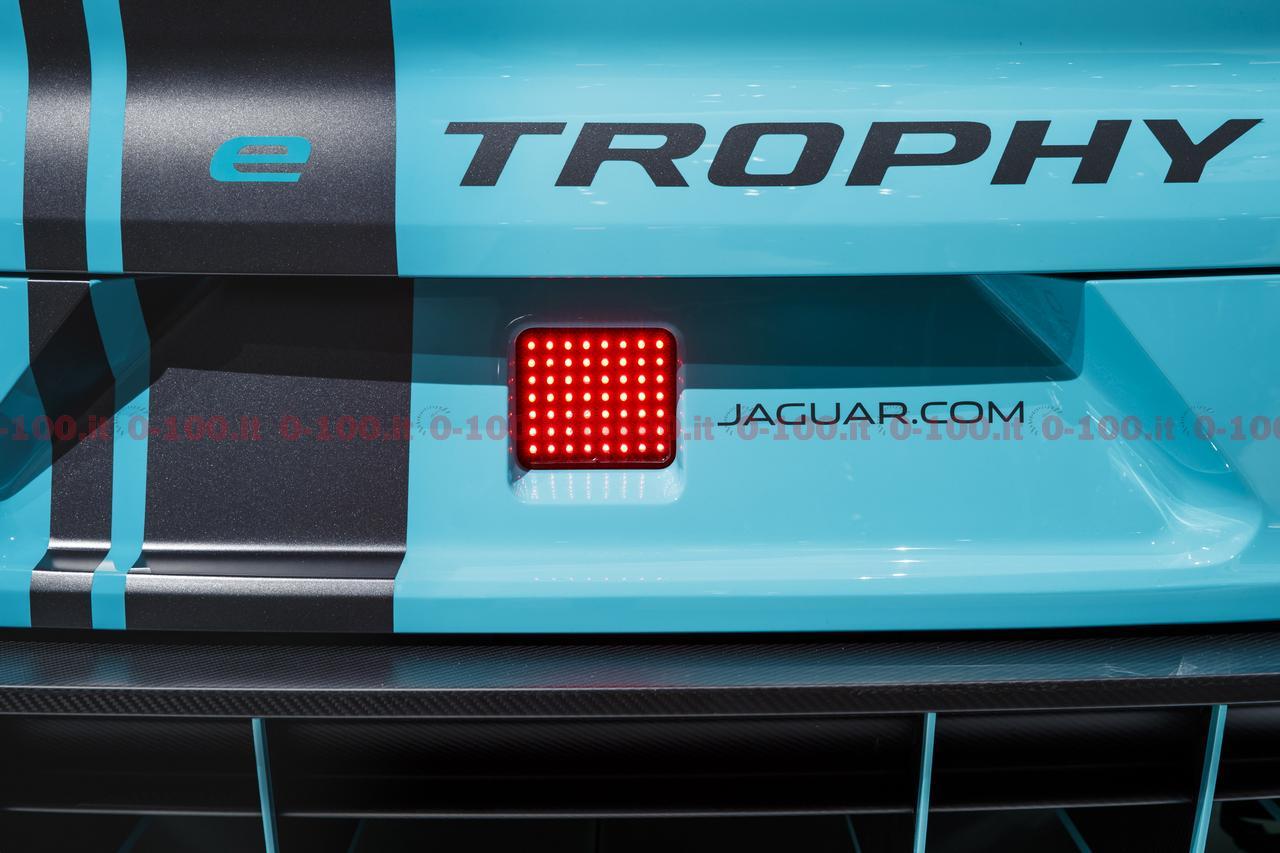 jaguar-i-pace-etrophy-championship-2018-iaa-2017_14