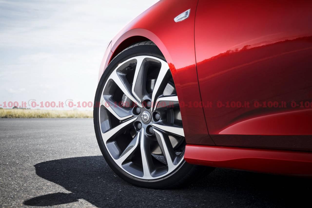opel-insignia-sports-GSI-tourer-turbodiesel-2017_0-100_18