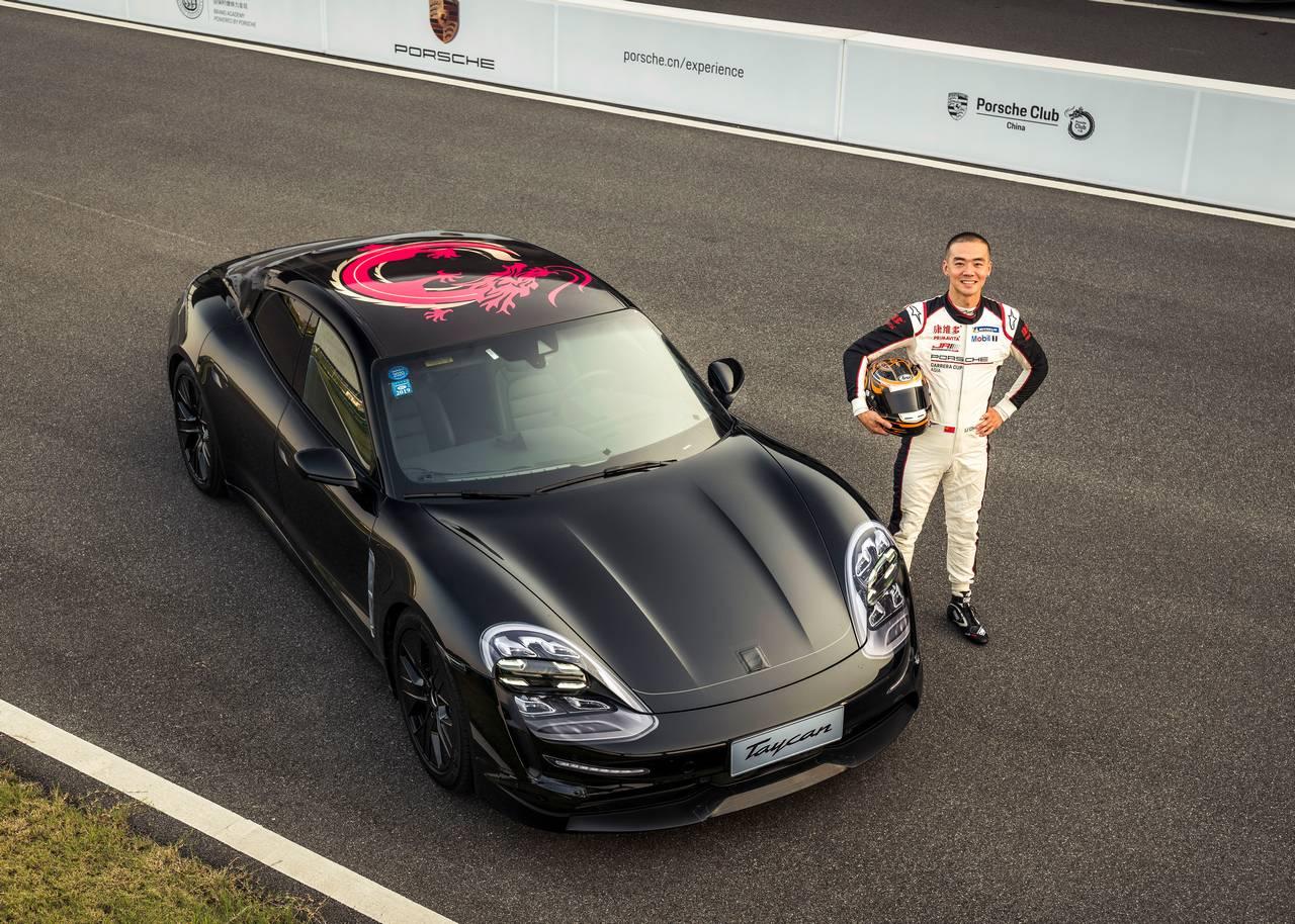 Porsche_Taycan_0-100_Li-Chao_porsche-demo-run_0-100-china_1