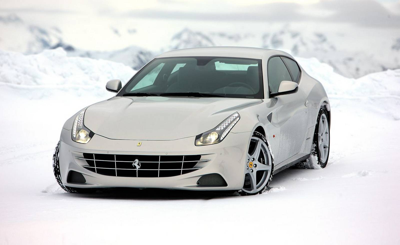 ferrari_ff_shooting_brake_0-100_2