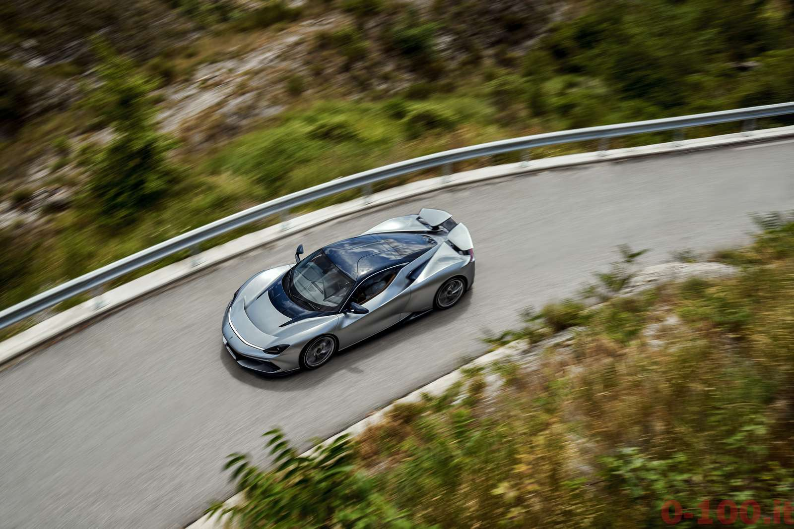 pininfarina_battista_pebble_beach_0-100_4